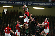 Ryan Jones of Wales wins a lineout ball. Invesco Perpetual series 2008 autumn international match, Wales v New Zealand at the Millennium Stadium on Sat 22nd Nov 2008. pic by Andrew Orchard, Andrew Orchard sports photography,