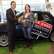 NLD/Huizen/20080206 - Nieuwe auto, Fiat 500, voor medewerkers makelaar Voorma & Walch uit Huizen