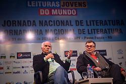 O jornalista, escritor, roteirista, cronista Ignácio de Loyola Brandão com o autor e dramaturgo Walcyr Carrasco durante painel na Jornada de Literatura de Passo Fundo. FOTO: Jefferson Bernardes/Preview.com