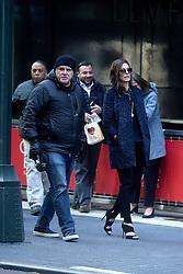 October 26, 2016 - New York, New York, USA - Gary Ross  und Sandra Bullock bei den Dreharbeiten zun Kinoflim 'Ocean's Eight' in den Straßen von New York, 26.10.2016 (Credit Image: © Future-Image via ZUMA Press)