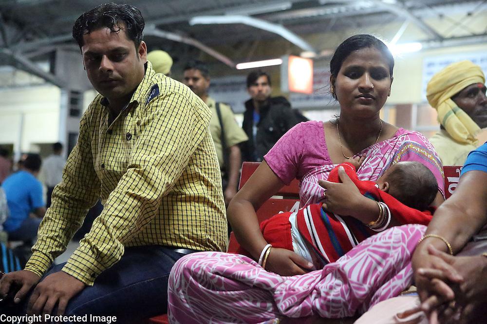 New Delhi train station.<br /> Photo by Shmuel Thaler <br /> shmuel_thaler@yahoo.com www.shmuelthaler.com