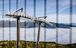 THEMENBILD - Liftstütze, aufgenommen am 11. Oktober 2019, Kaprun, Österreich // Lift Support and Cable on 2019/10/11, Kaprun, Austria. EXPA Pictures © 2019, PhotoCredit: EXPA/ JFK