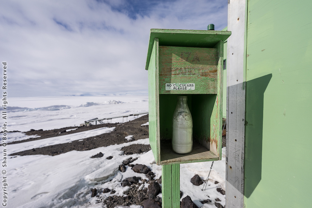 Milk delivery, A Hut