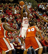 PHOTO BY DAVID RICHARD.Ohio State's Je'Kel Foster makes one of his 6, 3-point baskets during the first half yesterday against Illinois.