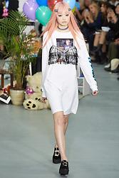 September 16, 2016 - London, England, United Kingdom - A model walks down the runway at London Fashion wearing Ashely William's SS17 during London Fashion Week on Sept 16th 2016. (Credit Image: © Karyn Louise/NurPhoto via ZUMA Press)