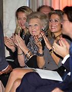 Uitreiking van de Prins Claus Prijs 2014 n het Koninklijk Paleis in Amsterdam.<br /> <br /> Presentation of the Prince Claus Award in 2014 n the Royal Palace in Amsterdam.<br /> <br /> op de foto / On the photo: koningin Maxima, prinses Beatrix, prinses Mabel, /// Queen Maxima, Princess Beatrix, Princess Mabel,
