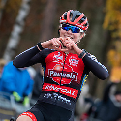 2018-12-01: Cycling: Zilvermeercross Mol: Laura Verdonshot wins in Mol