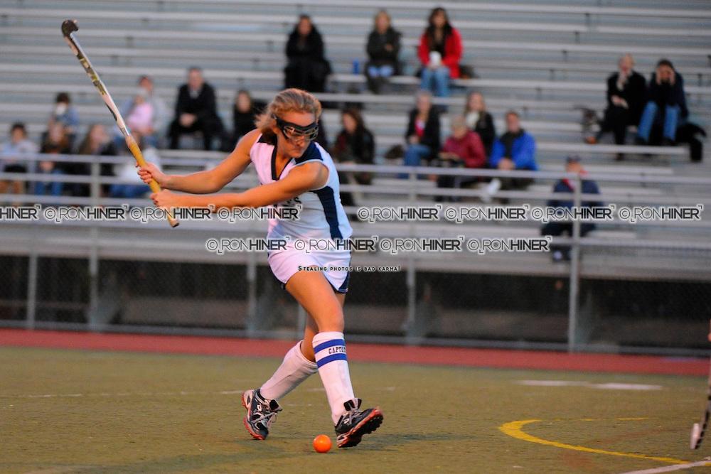 Staples High School Field Hockey.Staples defeat Stamford 2-1 in FCIAC quarterfinals..Emily Ashken (SR)(C)