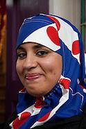 Eerste Friese hoofddoek voor Nederlandse moslima - First Frisian headscarf for Dutch female muslim