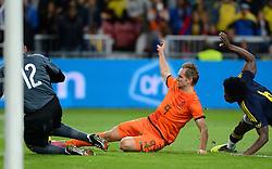 19-11-2013 VOETBAL: NEDERLAND - COLOMBIA: AMSTERDAM<br /> Nederland speelt met 0-0 gelijk tegen Colombia / Siem de Jong, Carlos Sanchez, Faryd Mondragon<br /> ©2013-FotoHoogendoorn.nl