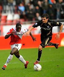 08-11-2009 VOETBAL: FC UTRECHT - HEERENVEEN: UTRECHT<br /> Utrecht verliest met 3-2 van Heerenveen / Jacob Mulenga en Goran Popov<br /> ©2009-WWW.FOTOHOOGENDOORN.NL