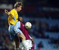 Fotball<br /> Carling Cup England<br /> 03.12.2003<br /> Aston Villa v Crystal Palace<br /> Kit Symons - Palace<br /> Darius Vassell - Villa<br /> Foto: Anders Hoven, Digitalsport