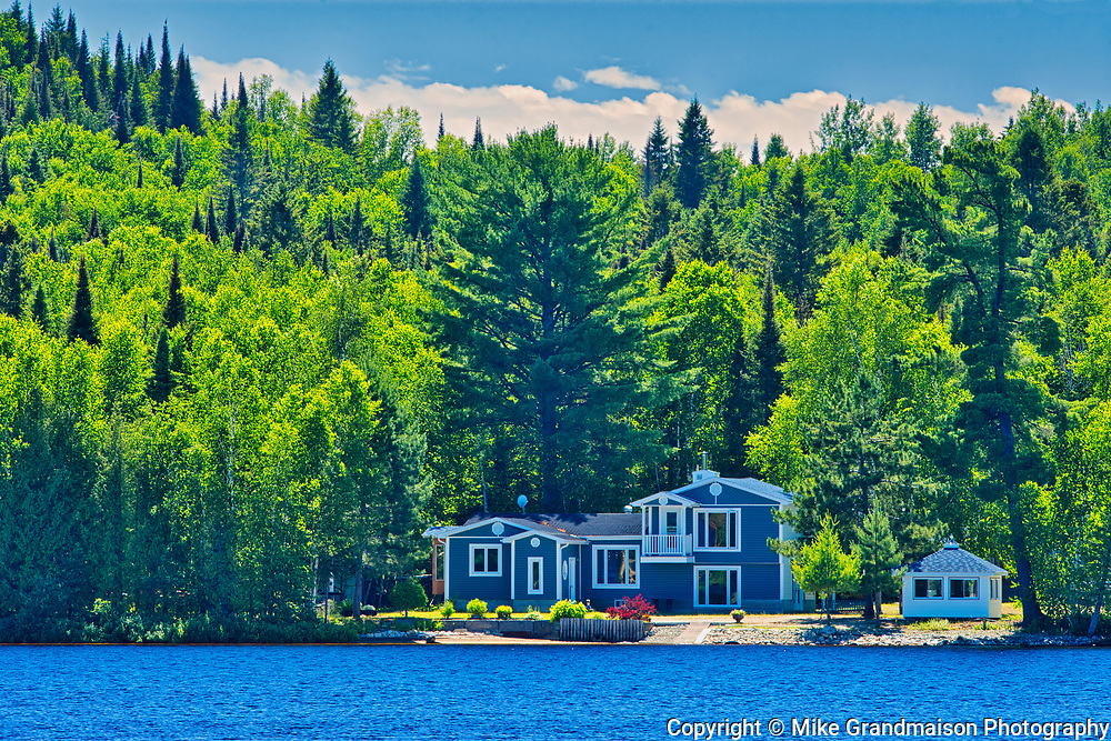 Cottage on Lac-aux-Sables<br />Belleterre<br />Quebec<br />Canada