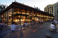 27/Agosto/2009 Madrid<br /> Mercado de San Miguel en el barrio de los Austrias, al atardecer.<br /> <br /> ©JOAN COSTA