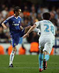 28.09.2010, Stamford Bridge, London, ENG, UEFA Champions League, Chelsea vs Olympique Marseille, im Bild .Joshua McEachran  of Chelsea   during the Match Chelsea v Marseille, Group F, of  the UCL ( Uefa Champions League Group stages)  at Stamford Bridge in London. EXPA Pictures © 2010, PhotoCredit: EXPA/ IPS/ Marcello Pozzetti +++++ ATTENTION - OUT OF ENGLAND/UK +++++ / SPORTIDA PHOTO AGENCY