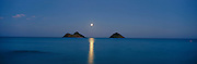 Moonrise over Mokulua Islands, Lanikai, Kailua, Oahu, Hawaii<br />