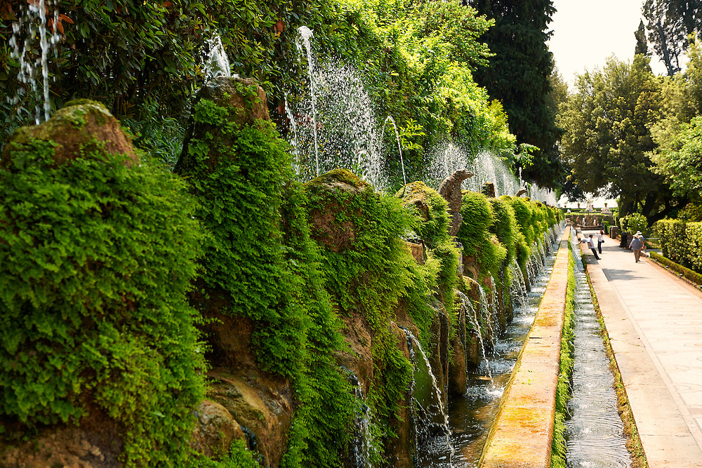 The Hundred Fountains, 1569, Villa d'Este gardens, Tivoli, Italy - Unesco World Heritage Site. .<br /> <br /> Visit our ITALY PHOTO COLLECTION for more   photos of Italy to download or buy as prints https://funkystock.photoshelter.com/gallery-collection/2b-Pictures-Images-of-Italy-Photos-of-Italian-Historic-Landmark-Sites/C0000qxA2zGFjd_k<br /> If you prefer to buy from our ALAMY PHOTO LIBRARY  Collection visit : https://www.alamy.com/portfolio/paul-williams-funkystock/villa-este-tivoli.html
