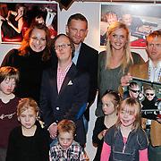 NLD/Amsterdam/20101112 - Presentatie Down2Famous kalender, Barry Atsma en broer Rimme, Tooske Ragas - Breugem en broer, Roeland Fernout, Marian Mudder en andere modellen