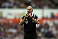 Photo: Rich Eaton.<br /> <br /> Aston Villa v Newcastle United. The Barclays Premiership. 27/08/2006. Referee Mr H Webb