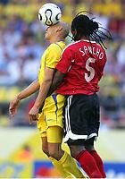 v.l. Henrik Larsson , Brent Sancho Trinidad<br /> Fussball WM 2006 Trinidad und Tobago - Schweden  <br /> Sverige<br /> <br /> Norway only