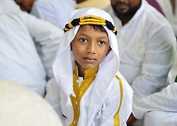June 16, 2018 - Kolkata, West Bengal, India - Muslim devotee offers prayer on Eid ul-fitar. (Credit Image: © Suvrajit Dutta/Pacific Press via ZUMA Wire)