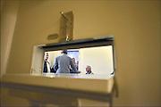 Nederland, Nijmegen, 11-10-2014Tijdens de open dag van justitie krijgen belangstellenden een rondleiding van een medewerker langs enkele afdelingen van de tbs inrichting de pompekliniek. Bezocht werden o.a. een metaalwerkplaats, de houtwerkplaats, een woonafdeling en een isoleercel (foto). Na afloop kon men in gesprek gaan met een patient.FOTO: FLIP FRANSSEN/ HOLLANDSE HOOGTE