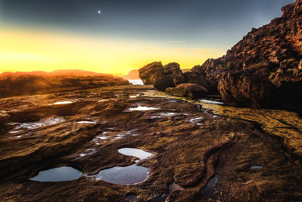 Talia Caves coastline at Eyre Peninsula, South Australia