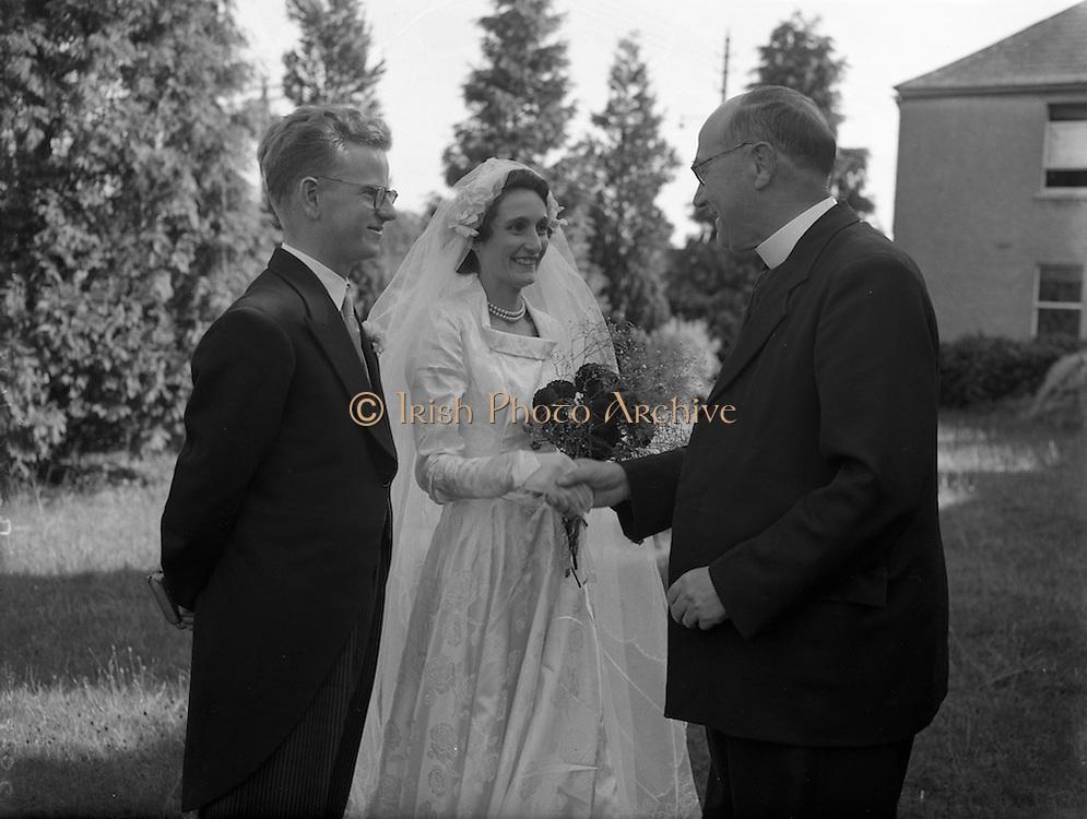 20/8/1952<br /> 8/20/1952<br /> 20 August 1952<br /> <br /> Wedding of Thomas O'Mara and Miss C. O'Sullivan at Lucan Church