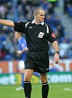 Photo: Dave Linney.<br />Leicester City v Crystal Palace. Coca Cola Championship. 21/10/2006Referee .Graham Salisbury