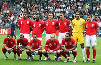 Fotball<br /> Japan v England<br /> 30.05.2010<br /> Graz Østerrike<br /> Foto: Gepa/Digitalsport<br /> NORWAY ONLY<br /> <br /> FIFA Weltmeisterschaft 2010 in Suedafrika, Vorberichte, IFCS Trainingslager, Vorbereitung, Vorbereitungsspiel, Freundschaftsspiel, Laenderspiel, Japan vs England. <br /> <br /> Bild zeigt die Mannschaft von England mit Tom Huddlestone, Darren Bent, John Terry, Rio Ferdinand, David James, Frank Lampard (hinten von links); Aaron Lennon, Ashley Cole, Theo Walcott, Wayne Rooney und Glen Johnson (vorne von links).<br /> Lagbilde England