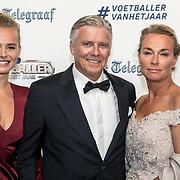 NLD/Hilversum/20190902 - Voetballer van het jaar gala 2019, AnneKee Molenaar met haar ouders Keje Molenaar