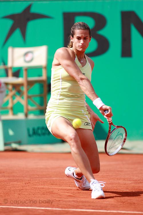 Roland Garros. Paris, France. June 2nd 2006..Amelie Mauresmo against Jelena Jankovic. .