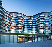 Albion Riverside is a residential complex with retail units, galleries and a leisure center. Situated on the South side of the Thames between the Albert Bridge and Battersea Bridge.<br /> <br /> Architect: Fosters & Partners