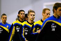 arnhem, 22-10-2010, training vitesse zonder theo bos<br /> Marcus Pedersen, met om zich heen Ismail Aissati, Gino Felixdaal en Frank van der Struik