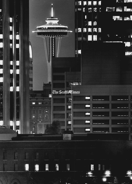 A view of The Seattle Space Needle in 1987. (Benjamin Benschneider / The Seattle Times)