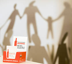 """04.05.2017, Gesundheitsministerium, Wien, AUT, Bundesregierung, Pressekonferenz anlässlich der ersten Österreichischen Dialogwoche Alkohol, im Bild Feature """"Alkohol - Wie viel ist zu viel"""" // during press conference of the health ministry in Vienna, Austria on 2017/05/04, EXPA Pictures © 2017, PhotoCredit: EXPA/ Michael Gruber"""