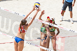 30.07.2017, Donauinsel, Wien, AUT, FIVB Beach Volleyball WM, Wien 2017, Damen, Gruppe C, im Bild v.l. Camille Saxton (CAN), Agatha Bednarczuk (BRA), Eduarda Santos Lisboa (BRA) // f.l. Camille Saxton of Canada Agatha Bednarczuk of Brazil Eduarda Santos Lisboa of Brazil during the women's group C match of 2017 FIVB Beach Volleyball World Championships at the Donauinsel in Wien, Austria on 2017/07/30. EXPA Pictures © 2017, PhotoCredit: EXPA/ Sebastian Pucher