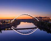 Nashville, Tennessee, Korean War Memorial Bridge, Gateway Bridge, Connects Downtown Nashville To East Nashville, Cumberland River