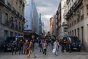 The call for a general strike in various European countries as it passes through Spain a final day marked by violence between riot police and protesters anti system.The police monitors in the street Preciados is one of the most touristy of Madrid.