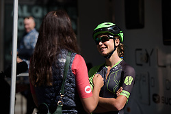 Kristabel Doebel-Hickok chats the Voxwomen ahead of the Madrid Challenge by la Vuelta 2017 - a 87 km road race on September 10, 2017, in Madrid, Spain. (Photo by Sean Robinson/Velofocus.com)