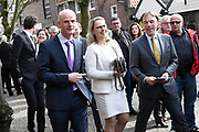 Uitvoering van de Matthaus Passion in de Grote Kerk, Naarden  op Goede Vrijdag .<br /> <br /> Op de foto:  Stef Blok - Minister van Buitenlandse Zaken