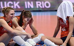 09-01-2016 TUR: European Olympic Qualification Tournament Rusland - Nederland, Ankara<br /> De Nederlandse volleybalsters hebben de finale van het olympisch kwalificatietoernooi tegen Rusland verloren. Oranje boog met 3-1 voor de Europees kampioen (25-21, 22-25, 25-19, 25-20) / Quinta Steenbergen #7, Robin de Kruijf #5, Laura Dijkema #14