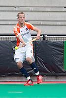 ROTTERDAM - HOCKEY -  ROTTERDAM - HOCKEY -  Billy Bakker tijdens de oefenwedstrijd tussen de mannen van Nederland en Engeland. FOTO KOEN SUYK