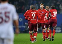 Fotball<br /> Tyskland<br /> Foto: Witters/Digitalsport<br /> NORWAY ONLY<br /> <br /> 12.03.2009<br /> <br /> Jubel 1:1 v.l. Paolo Guerrero, Torschuetze Marcell Jansen, Collin Benjamin HSV<br /> UEFA-Cup Achtelfinale Hamburger SV - Galatasaray Istanbul