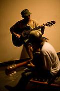 Sao Goncalo do Rio Preto_MG, Brasil...Adolescente tocando violao no Parque Estadual do Rio Preto em Sao Goncalo do Rio Preto, Minas Gerais...A teenager playing guitar in the Rio Preto State Park in Sao Goncalo do Rio Preto, Minas Gerais...Foto: LEO DRUMOND /  NITRO