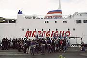 Forze dell'ordine s'imbarcano per l'isola del Giglio al di porto Santo Stefano. Santo Stefano, 15 settembre 2013. Christian Mantuano / OneShot