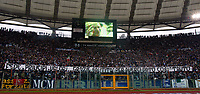 Fotball<br /> Serie A Italia 2004/05<br /> Lazio v Livorno<br /> 10. april 2005<br /> Foto: Digitalsport<br /> NORWAY ONLY<br /> A banner dedicated to Pope Giovanni Paolo II before the match as screen shows a video about him
