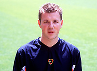 Colin Lewin (assistant physio), Arsenal Photocall, Highbury Stadium, 11/8/00. Credit: Colorsport / Stuart MacFarlane.
