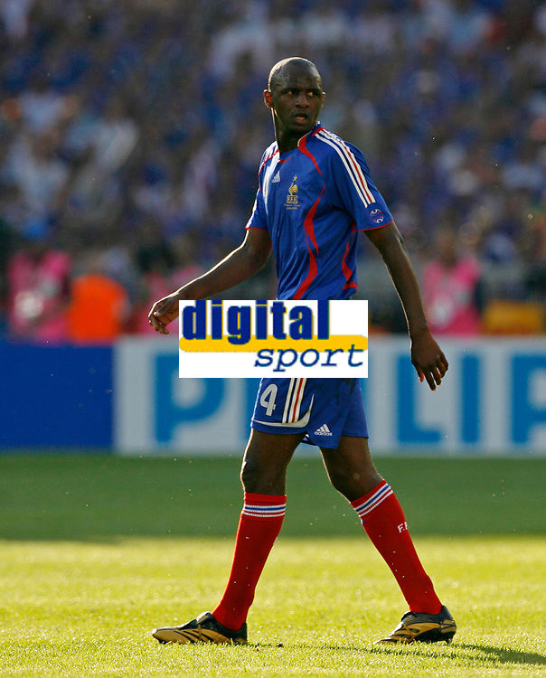 Photo: Glyn Thomas.<br />France v Switzerland. Group G, FIFA World Cup 2006. 13/06/2006.<br />France's Patrick Vieira.