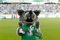 24.04.2010, Volkswagen Arena, Wolfsburg, GER, 1.FBL, VfL Wolfsburg vs 1.FC Koeln, im Bild ein sich freuendes Wolfsburg Maskottchen Woelfi  EXPA Pictures © 2011, PhotoCredit: EXPA/ nph/  Schrader       ****** out of GER / SWE / CRO  / BEL ******